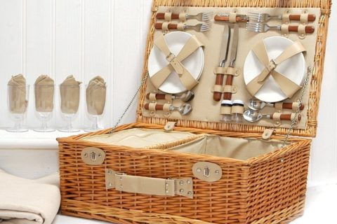 Picnic Basket Set of 4